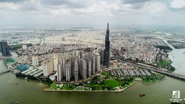 Tòa nhà cao nhất Việt Nam lung linh về đêm giữa Sài Gòn xa hoa - Ảnh 2.