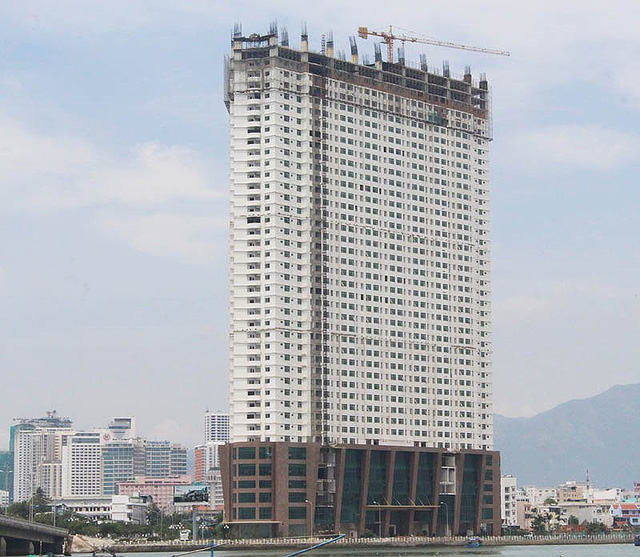Lập lại phương án tháo dỡ 3 tầng xây vượt cao ốc ở Khánh Hòa - Ảnh 1.