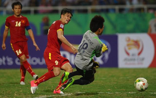 Bầu chọn tiền đạo xuất sắc nhất lịch sử AFF Cup: Công Vinh lép vế khó tin - Ảnh 1.