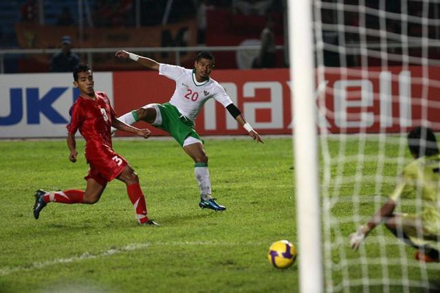 Bầu chọn tiền đạo xuất sắc nhất lịch sử AFF Cup: Công Vinh lép vế khó tin - Ảnh 3.