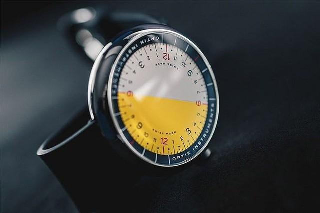 Cận cảnh chiếc đồng hồ kỳ lạ không kim giờ, kim phút - Ảnh 7.