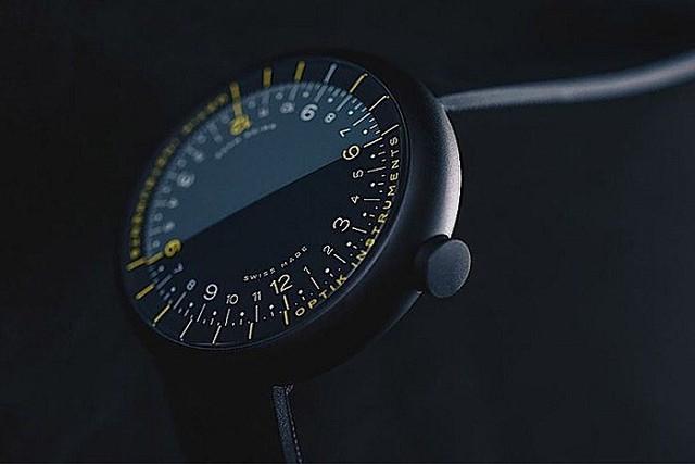 Cận cảnh chiếc đồng hồ kỳ lạ không kim giờ, kim phút - Ảnh 8.