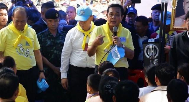 Người Thái thở phào hạnh phúc khi tìm thấy 13 thành viên đội bóng sống sót và an toàn - Ảnh 9.