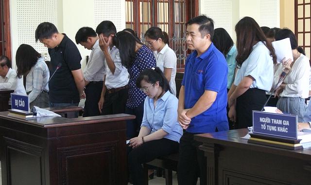Người đẹp ngân hàng bật khóc khi bị đề nghị phạt tù chung thân - Ảnh 1.