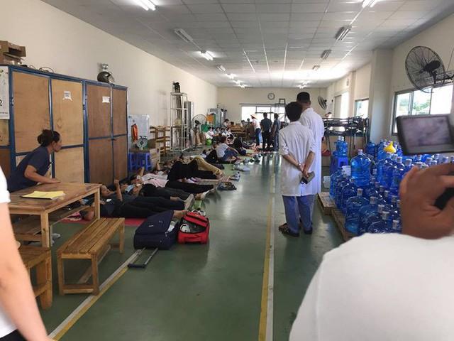 Hàng trăm công nhân ở Quảng Ninh sơ tán khẩn cấp sau khi nhiều người ngất vì khí lạ - Ảnh 1.