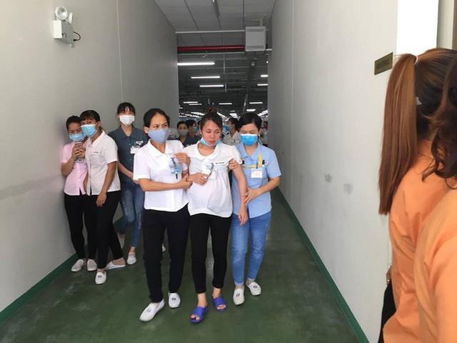 Hàng trăm công nhân ở Quảng Ninh sơ tán khẩn cấp sau khi nhiều người ngất vì khí lạ - Ảnh 2.