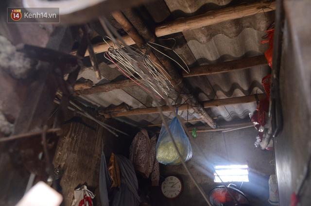 Xóm trọ nghèo không quạt, không điều hòa ở Hà Nội: Ban ngày đi khỏi nhà, ban đêm phải đổ nước lên giường mới ngủ được - Ảnh 4.