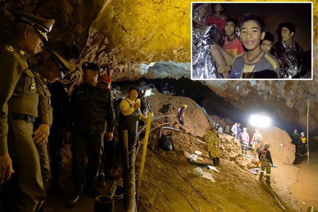 Các hình ảnh cho thấy quy mô và độ phức tạp của nỗ lực giải cứu các cậu bé Thái Lan bị mắc kẹt - Ảnh 1.