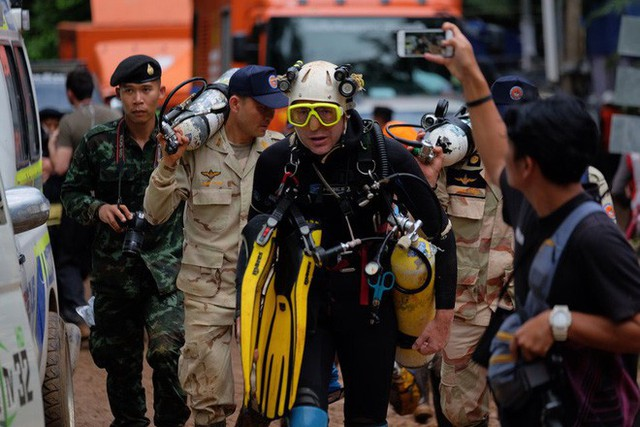 Các hình ảnh cho thấy quy mô và độ phức tạp của nỗ lực giải cứu các cậu bé Thái Lan bị mắc kẹt - Ảnh 15.
