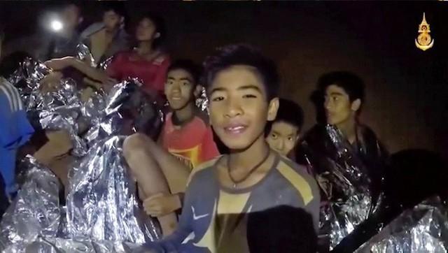 Các hình ảnh cho thấy quy mô và độ phức tạp của nỗ lực giải cứu các cậu bé Thái Lan bị mắc kẹt - Ảnh 18.