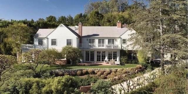 Cuộc sống đáng ghen tị của tỷ phú trẻ Evan Spiegel: Con nhà giàu vượt... sướng - Ảnh 8.