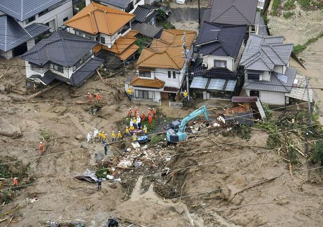 Mưa lũ, lở đất tại Nhật Bản: Ít nhất 44 người thiệt mạng - Ảnh 2.