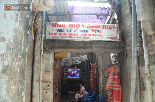 Tình người trong dãy trọ 15k/ đêm ở Hà Nội: Ông chủ tự bỏ tiền túi lắp điều hòa, quạt mát cho người nghèo trốn nóng - Ảnh 6.