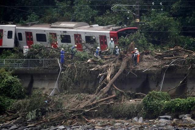 Mưa lũ, lở đất tại Nhật Bản: Ít nhất 44 người thiệt mạng - Ảnh 8.