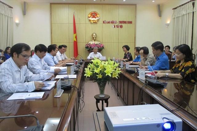 Tổng Liên đoàn lao động Việt Nam đề xuất tăng 8% lương tối thiểu vùng năm 2019 - Ảnh 1.