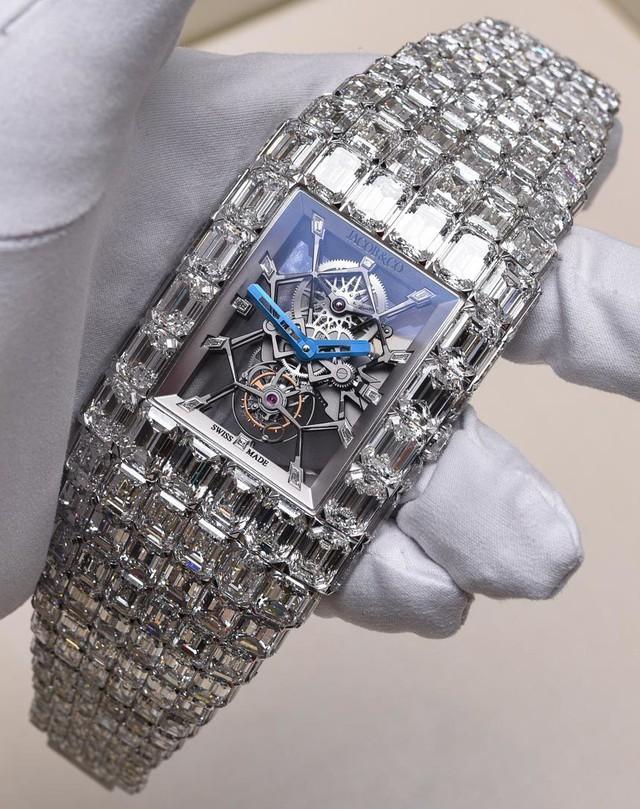 Chiếc đồng hồ trị giá 18 triệu USD của võ sĩ quyền anh hay nhất mọi thời đại - Floyd Mayweather: Quá mức xa xỉ và lộng lẫy - Ảnh 1.