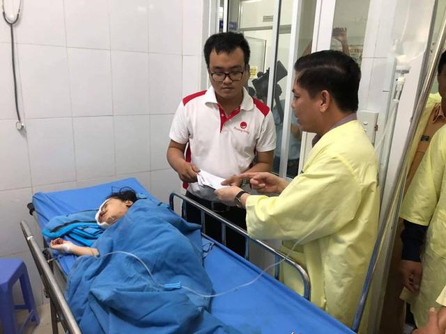 Vụ tai nạn 13 người chết: Nghi có kẻ giả danh người nhà nạn nhân để nhận tiền từ thiện - Ảnh 1.