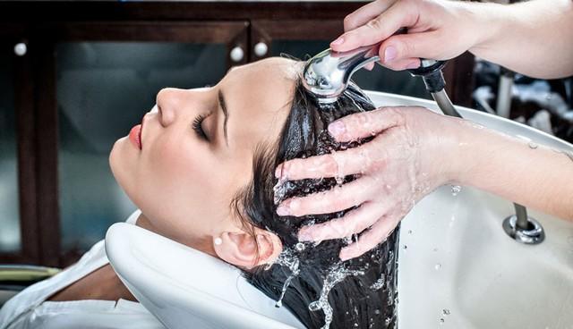 5 thói quen xấu khi tắm gội cần sửa ngay để tránh gây ảnh hưởng tới sức khỏe - Ảnh 1.