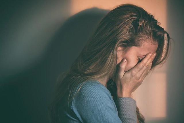 Những dấu hiệu tưởng như không liên quan nhưng chứng tỏ bạn đang stress nghiêm trọng, nhận biết sớm trước khi bản thân kiệt sức - Ảnh 2.