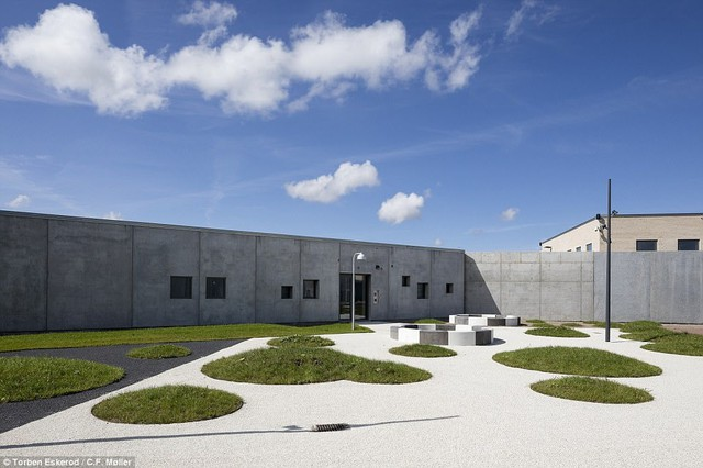 Nhà tù nhân đạo nhất thế giới ở Đan Mạch: Khuôn viên như khách sạn 5 sao, tù nhân thoải mái sinh hoạt và giải trí như ở nhà