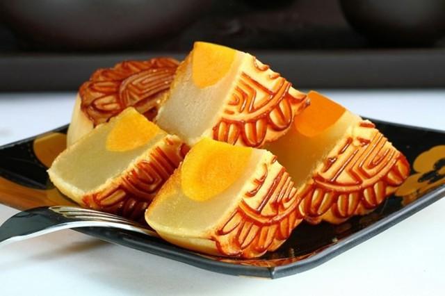 Xuất hiện bánh Trung thu chưa đến 3000 đồng/chiếc tràn lan, chuyên gia cảnh báo khi ăn bánh Trung thu - Ảnh 4.
