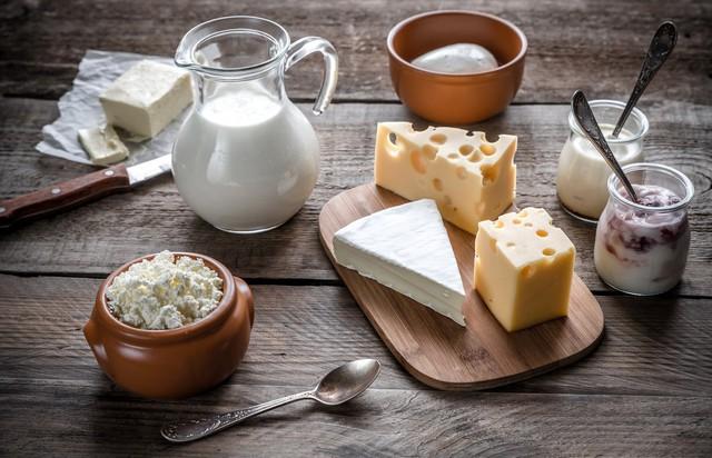 Ngăn ngừa nguy cơ loãng xương sớm nhờ chăm bổ sung 6 loại thực phẩm này mỗi ngày - Ảnh 1.