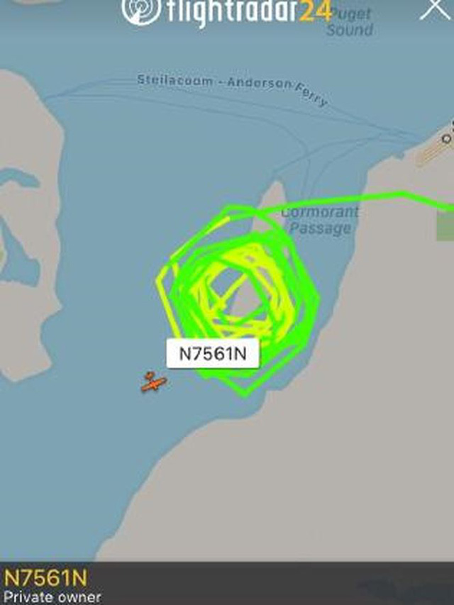 Tiêm kích truy đuổi Q400 bị cướp: Nhân chứng ngỡ trình diễn máy bay - Ảnh 1.