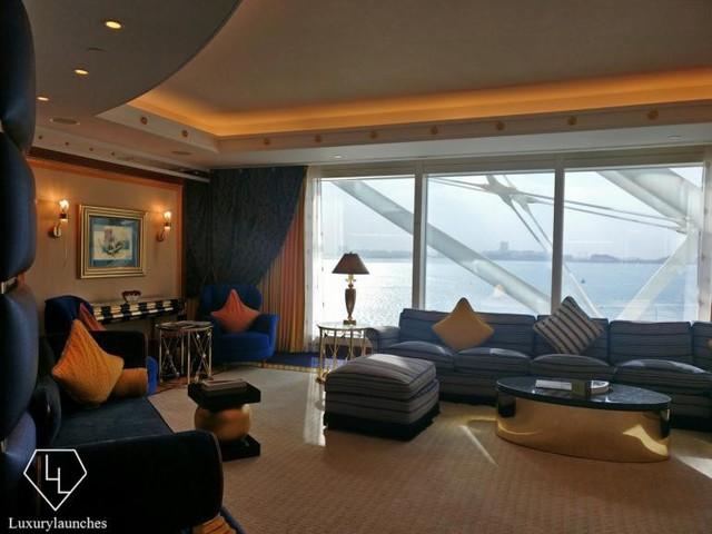 Burj Al Arab - Trải nghiệm sự sang trọng tuyệt vời nhất tại khách sạn xa xỉ 7 sao của Dubai - Ảnh 3.