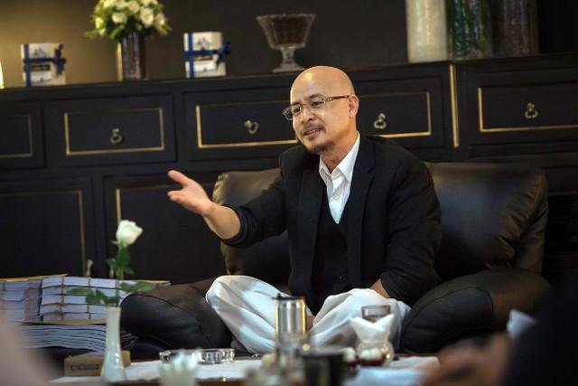 Ông Đặng Lê Nguyên Vũ xuất hiện trước báo giới - Ảnh 2.