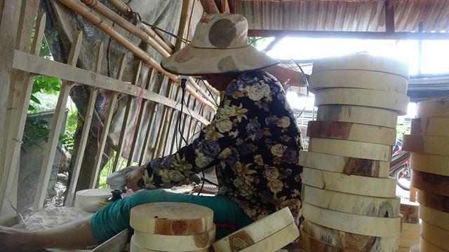 """""""Đột nhập"""" làng nghề làm thớt gỗ trứ danh ở miền Tây - Ảnh 7."""