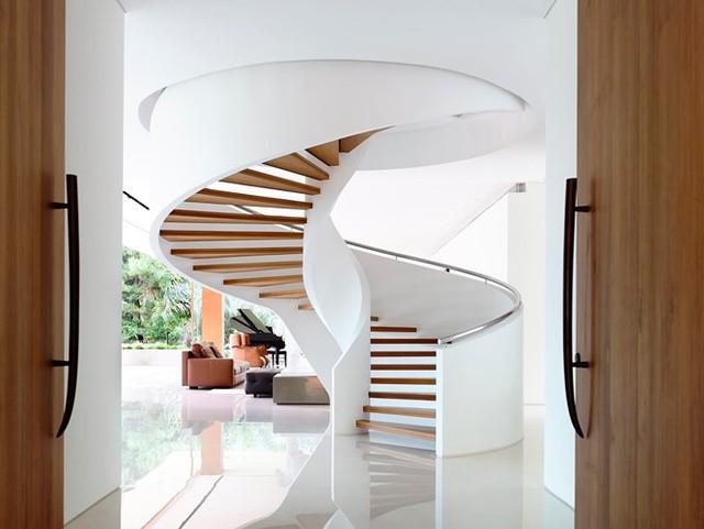 Biệt thự trang trí bằng gỗ ấn tượng - Ảnh 9.