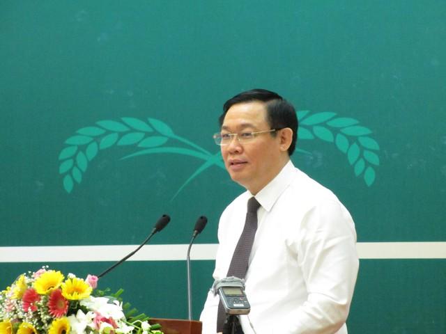 Bộ trưởng Bộ Nông nghiệp giải thích điều giúp người dân thu 6.000 tỷ đồng sau một vụ vải  - Ảnh 1.