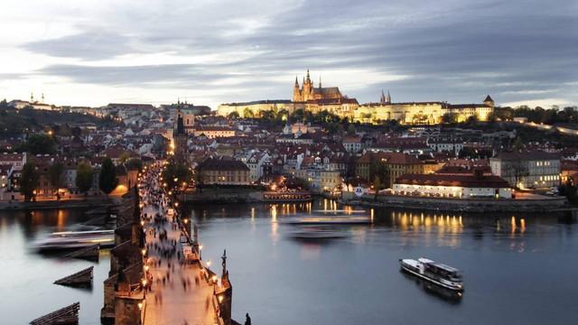 Chỉ với khoảng 5-7 triệu đồng, bạn sẽ chi tiêu được gì ở những thành phố du lịch rẻ bậc nhất châu Âu? - Ảnh 4.