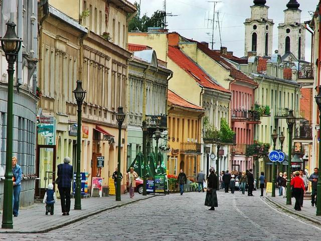 Chỉ với khoảng 5-7 triệu đồng, bạn sẽ chi tiêu được gì ở những thành phố du lịch rẻ bậc nhất châu Âu? - Ảnh 9.