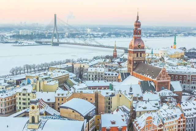 Chỉ với khoảng 5-7 triệu đồng, bạn sẽ chi tiêu được gì ở những thành phố du lịch rẻ bậc nhất châu Âu? - Ảnh 8.