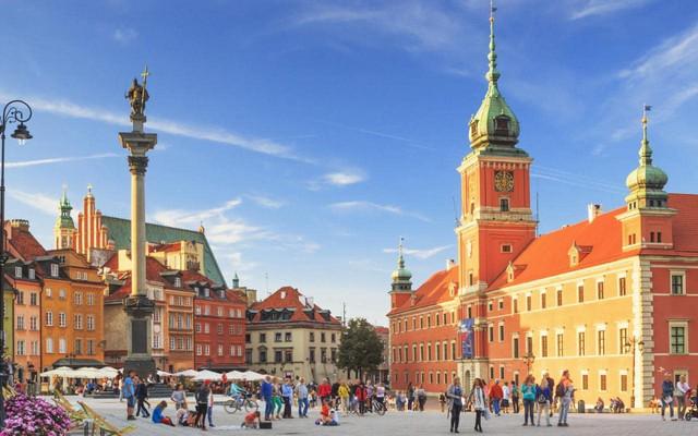 Chỉ với khoảng 5-7 triệu đồng, bạn sẽ chi tiêu được gì ở những thành phố du lịch rẻ bậc nhất châu Âu? - Ảnh 7.