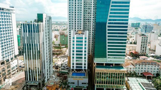 Cận cảnh Tổ hợp khách sạn Mường Thanh Đà Nẵng vừa bị phát hiện thêm nhiều sai phạm - Ảnh 3.
