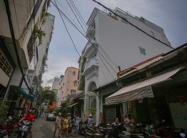 Những khách sạn, biệt thự chạy giấy phép xây dựng ở quận 1 - Ảnh 5.
