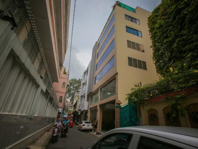 Những khách sạn, biệt thự chạy giấy phép xây dựng ở quận 1 - Ảnh 8.