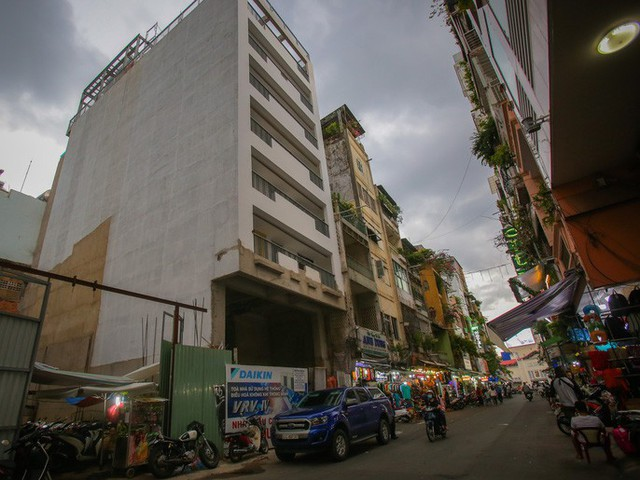 Những khách sạn, biệt thự chạy giấy phép xây dựng ở quận 1 - Ảnh 9.