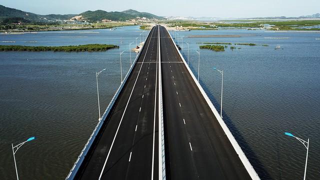 Cao tốc Hạ Long – Hải Phòng chuẩn bị thông xe vào 1/9 - Ảnh 1.