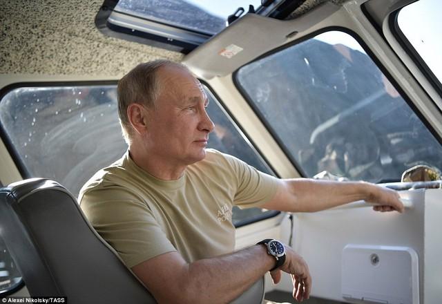 Tổng thống Putin lại gây sốt với chuyến nghỉ hè ở vùng hoang vu Siberia - Ảnh 5.