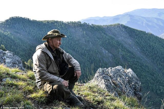 Tổng thống Putin lại gây sốt với chuyến nghỉ hè ở vùng hoang vu Siberia - Ảnh 9.