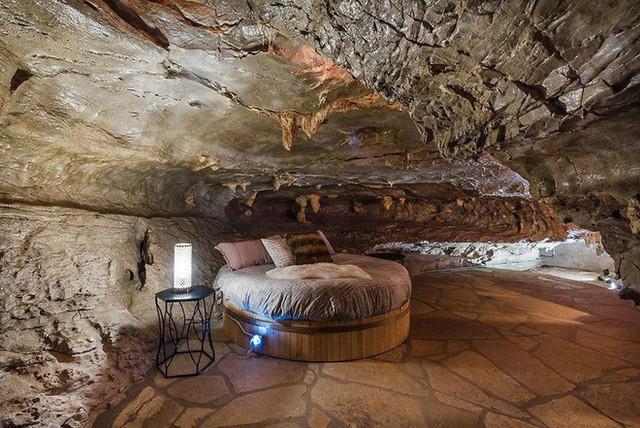 Hang động sang trọng nhất thế giới đang được rao bán với giá 58 tỷ đồng, bên ngoài hoang sơ bên trong mới thật sự bất ngờ - Ảnh 18.