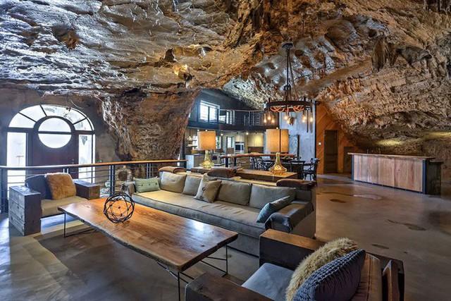 Hang động sang trọng nhất thế giới đang được rao bán với giá 58 tỷ đồng, bên ngoài hoang sơ bên trong mới thật sự bất ngờ - Ảnh 8.