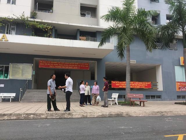 Dự án rác thải xây dựng sát bên cạnh, cư dân chung cư Tín Phong kêu cứu - Ảnh 2.