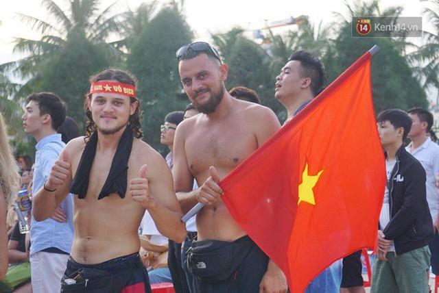 CĐV bần thần trước thất bại của Olympic Việt Nam, nhưng vẫn tự hào vì những gì các cầu thủ đã làm được - Ảnh 2.