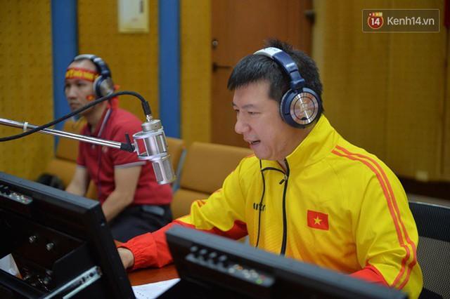 CĐV bần thần trước thất bại của Olympic Việt Nam, nhưng vẫn tự hào vì những gì các cầu thủ đã làm được - Ảnh 93.