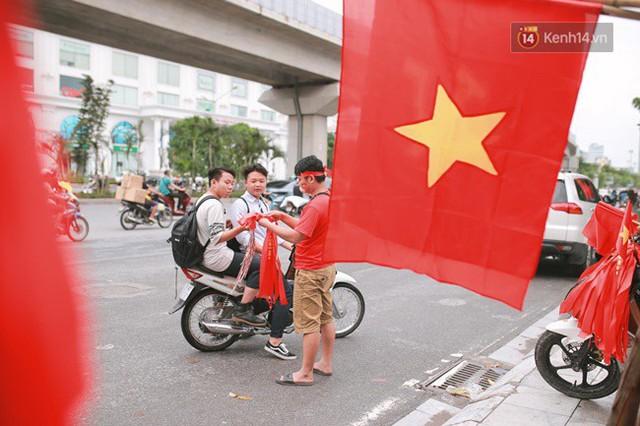 CĐV bần thần trước thất bại của Olympic Việt Nam, nhưng vẫn tự hào vì những gì các cầu thủ đã làm được - Ảnh 104.