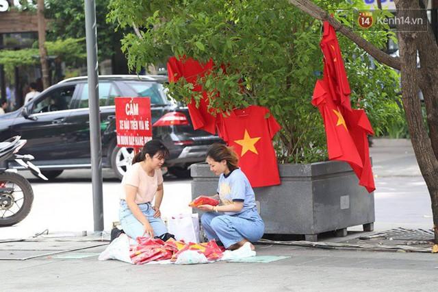 CĐV bần thần trước thất bại của Olympic Việt Nam, nhưng vẫn tự hào vì những gì các cầu thủ đã làm được - Ảnh 144.